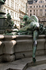 statue (Franco Coluzzi) Tags: vienna wien sculpture fountain statue baroque traun neuermarkt georgraphaeldonner providentiafountain rivertraun