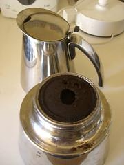 coffee scream (vnoel) Tags: broken coffee caf scream grind mocca cafetire