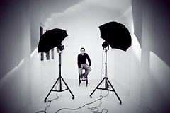 (Victoriano) Tags: lighting light selfportrait umbrella self studio granada umbrellas victoriano wats weare victorianoizquierdo flogr wearevic