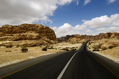 California Dream's (photosenvrac) Tags: photo petra route paysage jordanie supershot