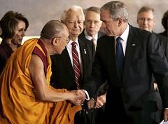 El Dalai Lama y el presidente Bush