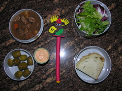 Mr. Bento - December 19, 2007 (Great Stone Face) Tags: bread salad olive beefstew thousandislanddressing mrbento