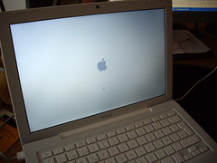 MacBook por balhisay, en Flickr