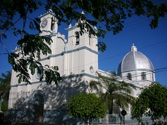 Nacaome church, Honduras      /     look at this sky !!!!! (Cristina Bruseghini de Di Maggio) Tags: sky white blanco church azul blu iglesia honduras chiesa cielo bianco centroamerica abigfave nacaome