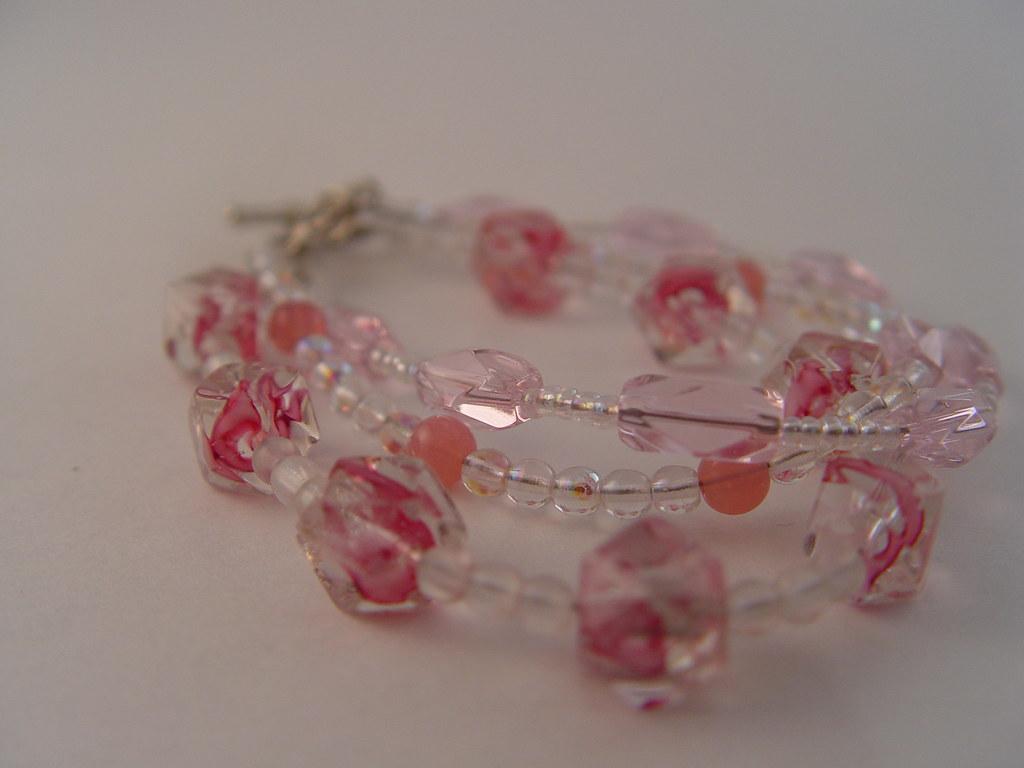 Pink tiers bracelet
