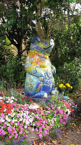 mosaic pig