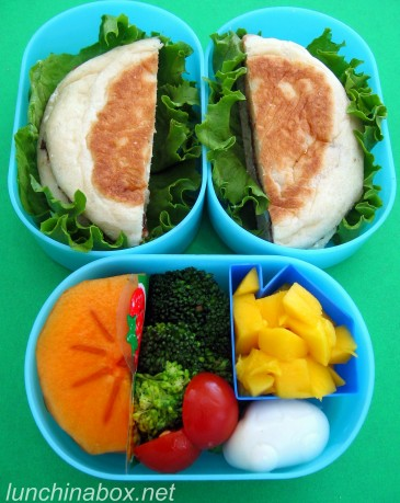 English muffin sandwich lunch for preschooler