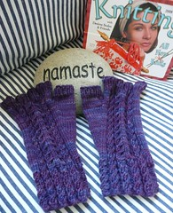 cable & twist mitts1