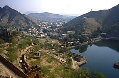 India - Jaipur-road to Amber - Rajasthan (hjfklein) Tags: india klein kerala rajasthan mywinners platinumphoto hjfklein sajjansingh