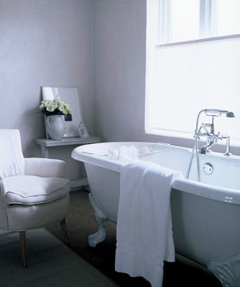 Simple luxurious Bathroom interior design
