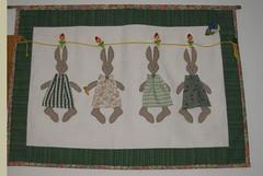 Hanging rabbits (Zuckerrbchen) Tags: christmas flowers chicken bag weihnachten quilt pflanzen decoration blumen huhn rabbits ostern patchwork eastern deko tasche haseb
