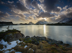 Arctic Sunset (Waldemar*) Tags: europe scandinavia norway lofoten islands archipelago thearctic 68°north 68degreesnorth 68°n 68parallelnorth fjord vestfjorden sunset clouds nature landscape outdoor nordland