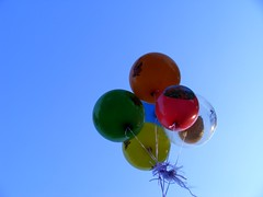 149/365 - 29/05/11 (oana-emilia) Tags: park sky balloons bright may colourful 365project 3652011 365the2011edition