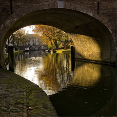 Under the Bridge ((Erik)) Tags: bravo utrecht underthebridge gracht oudegracht magicdonkey superhearts forsomereasonmyshotsalwayslookmorecolorfulinphotoshopthanonflickr erikvanhannen