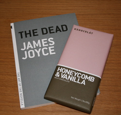"essay questions dead james joyce In ""the dead"" by james joyce, the character, gabriel is finding out who he is through his relationship with his wife and how he will handle his aunt julia's death."