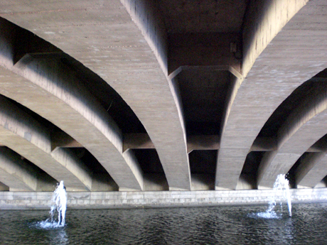 under-bridge-valencia