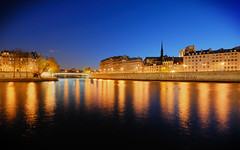 Peaceful Night on Paris Islands HDR* (David Giral | davidgiralphoto.com) Tags: blue paris france seine night river island islands dusk cit stlouis sigma ile hour 1020mm dri hdr cite 5xp