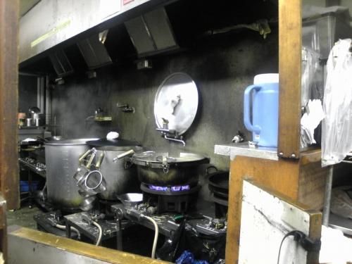 マルサカラーメン-厨房