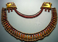 broad collar (ggnyc) Tags: nyc newyorkcity red museum gold necklace manhattan turquoise egypt jewelry egyptian falcon met falcons 18thdynasty thebes metropolitanmuseumofart ancientegypt egyptology semiprecious carnelian thutmoseiii thutmose dynasty18 broadcollar wadygabbanatelqurud