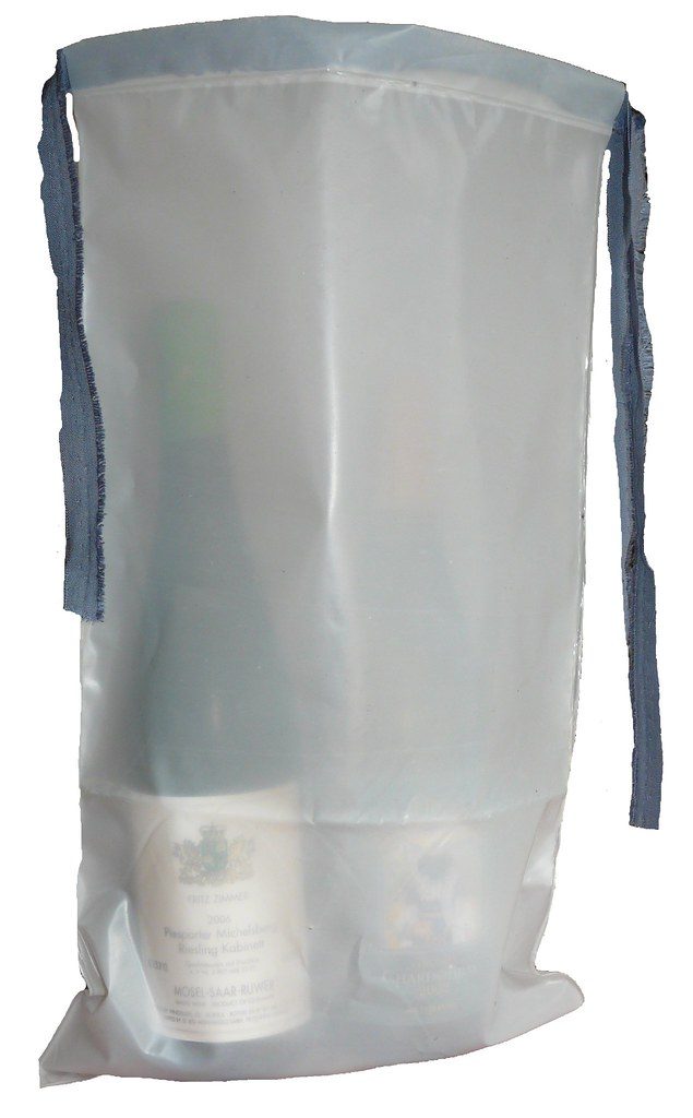 Upcycled plastic gift bag