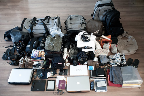 20100408120622-luggage-ID