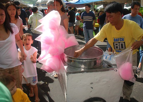 Salcedo market vendor cotton candy sweet fairy floss Pinoy Filipino Pilipino Buhay  people pictures photos life Philippinen  菲律宾  菲律賓  필리핀(공화국) Philippines