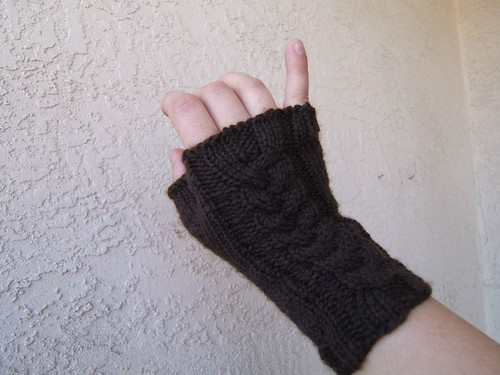 Cabled Gauntlets