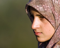 (Divs Sejpal) Tags: portrait woman india girl beauty face clothing intense traditional think thinking kashmir determined soe divs divyesh sejpal
