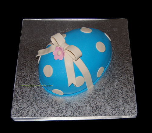 Blue Easter egg cake