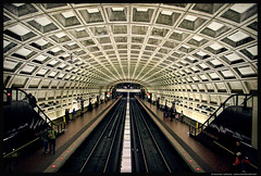 Metrorail, Washington DC (Michael LaPalme) Tags: station train subway washingtondc vanishingpoint tracks wmata washingtonmetropolitanareatransitauthority