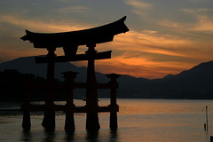 Sunset - Miyajima Island - Japan ({ Planet Adventure }) Tags: sunset holiday japan photography photo interesting photographer ab miyajimaisland adventure planet allrightsreserved interessante digitalphotography holidayphotos stumbleupon copyright travelguide digitalworld intrepidtraveler traveltheworld planetadventure colorfulworld worldexplorer by{planetadventure} byalessandrobehling intrepidtravel alessandrobehling stumbleit topphotography holidayphotography alessandrobehling copyright20002008alessandroabehling colorfulearth photographyhunter photographyisgreatfun