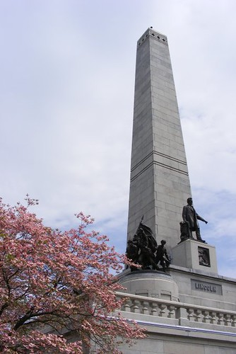 Day 2-Entrance to Lincoln's Tomb