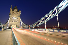 Tower Bridge (Rodrigo Ono) Tags: inglaterra bridge england london tower thames canon geotagged eos londres 30d reinounido londontowerbridge unitedkingdon gothicstyle rodrigoono