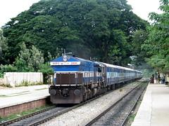 Dharwar bound Siddaganga Express (Pawan Koppa photography) Tags: ir bangalore locomotive express intercity indianrailways hubli 20020 irfca malleswaram siddaganga 12725 dharwar wdp4