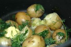 potatoes with dill and garlic and butter