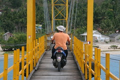Bridge between Nusa Lembogan and Nusa Cinnegan (DanielAway) Tags: bali sun field set temple volcano view rice air glove gili besakih nusa batur denpasar jimbaran sidemen lembogan amed bratan penida munduk pandangbai