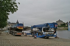 Getting ready to go (lower_incer) Tags: french crane lorry falcon narrowboat moorings tourismefluvial waterwaysfrench canalsriver mayennechateaugontier narrowboatfalcon