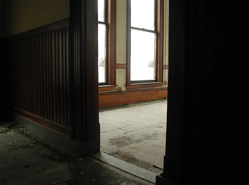 Empty space awaits in 31 Elm. Photo by H Brandon
