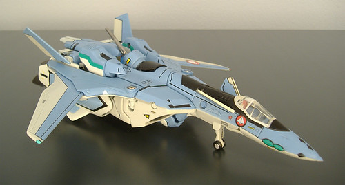 Yamato VF-19 Game Color Fighter