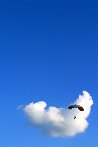 Up to the sky for a croissant cloud by Biaph SI_SI_SI_SI !