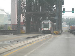 A westbound train crosses the Steel Bridge