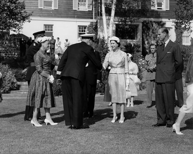 Queen Elizabeth visits Corner Brook, Wears Hat