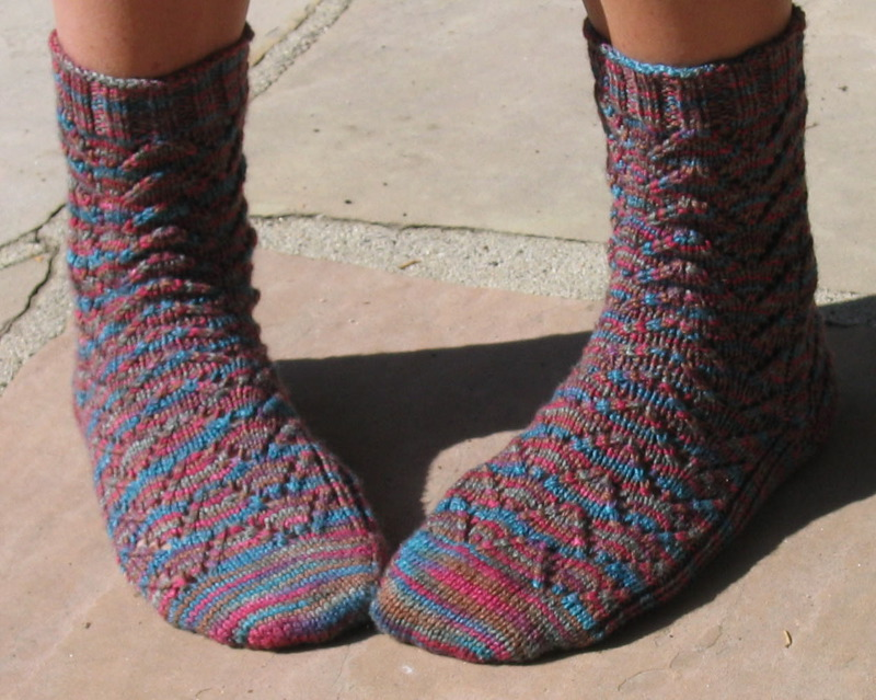 Chevron Knitting Pattern In The Round : Keep On Knitting In The Free World: Heather Chevron Socks