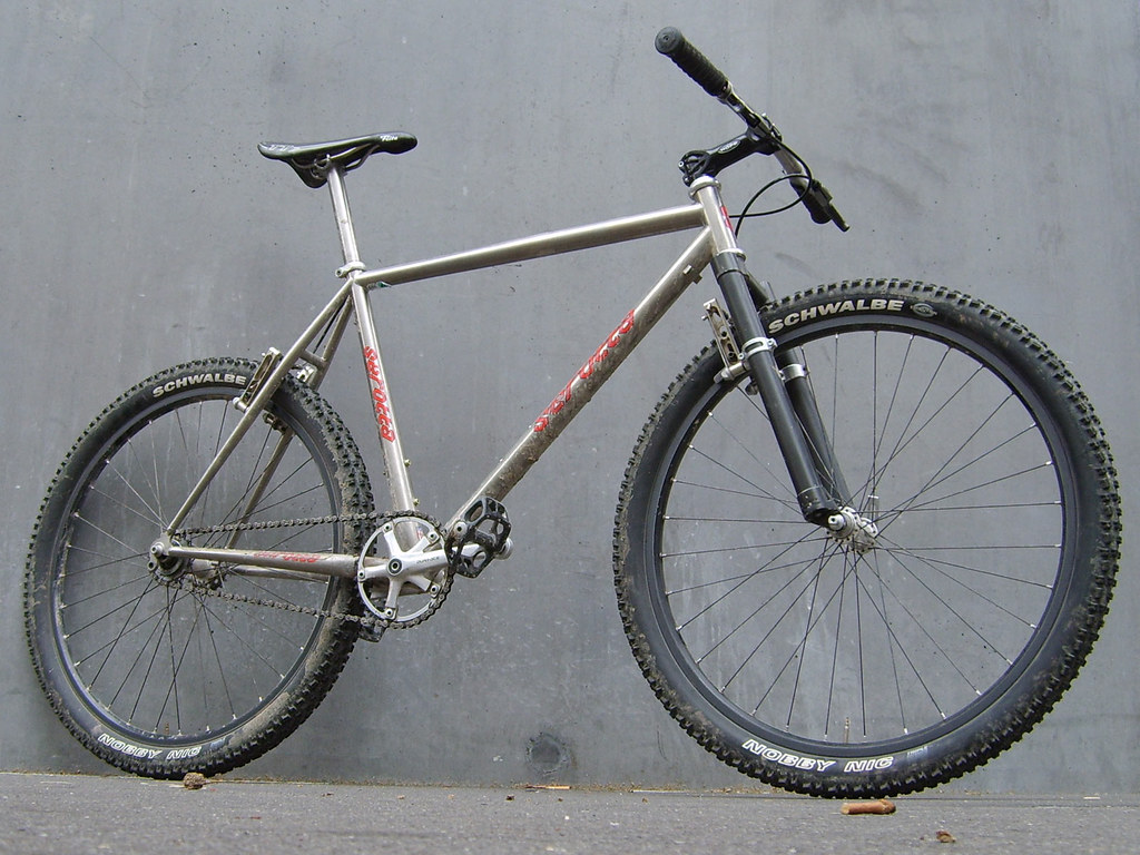 035adc01cf2 he got my GT lightning wich is a bit longer than that bike
