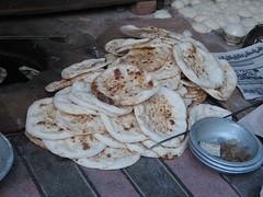 Bakery in the city of Peshawar (imranthetrekker , Bien venu au Pakistan) Tags: poverty pakistan islam bakery peshawar muslims nwfp cornseller imranthetrekker imranschah muhabbatkhanmosque chitralguy