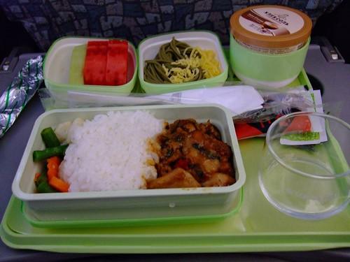 飛機餐初體驗-三杯雞