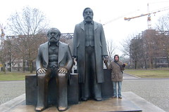 marx engels nic-berlin (cHia^) Tags: city trip friends berlin journey amici viaggio silvester vacanza capodanno citt berlino