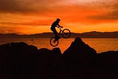 Bicycle wheel (ipaloni) Tags: sunset red sea france color clouds nikon tramonto nuvole mare cielo bec colori trial 2007 arancione straphael themoulinrouge biketrial trialsin costaazzurra supershot nikond80 anawesomeshot aplusphoto superbmasterpiece diamondclassphotographer goldstaraward