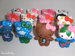 finally complete! (iheartkitty) Tags: cute japan set toys japanese designer hellokitty urbanoutfitters vinyl sanrio collection kawaii figure complete blindbox iheartkitty