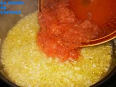 Fideos y berbe-añadir tomate